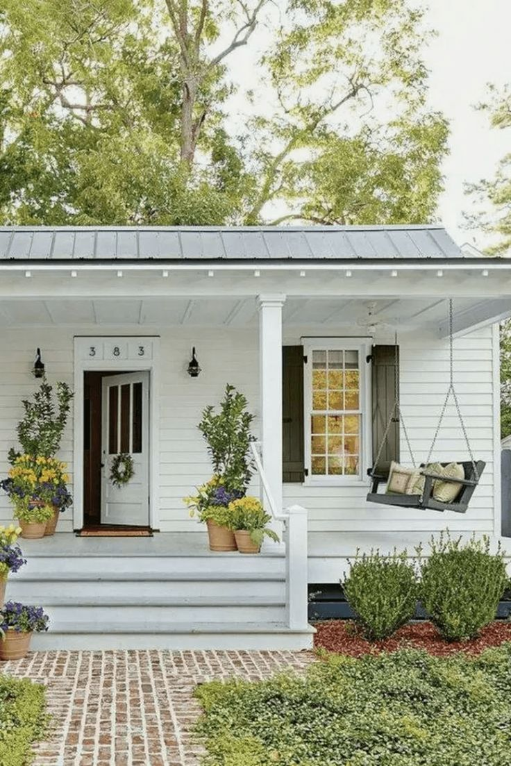 Amazing Farmhouse Style Front Porch Design And Decor Ideas In 2020 House Exterior Modern Farmhouse Exterior Farmhouse Exterior