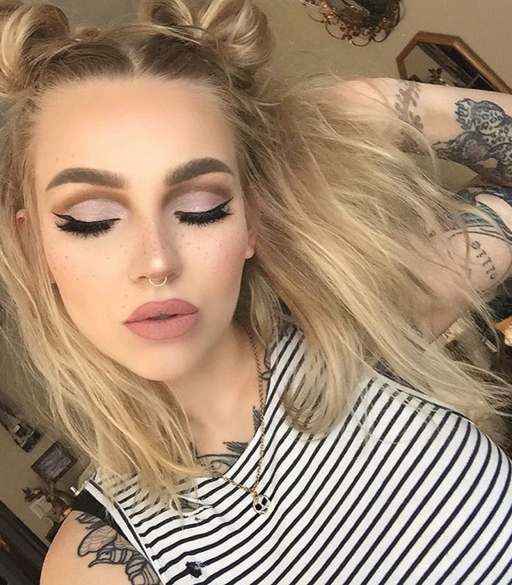 See this Instagram photo by @itslikelymakeup • 5,992 likes