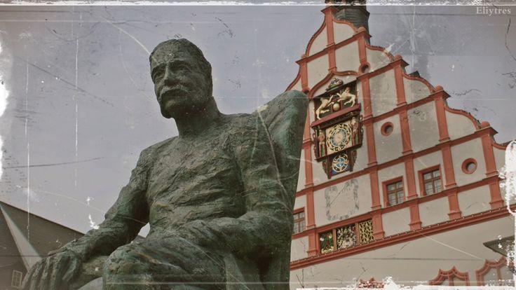 Plauen 5 - Rathaus/ Skulptur