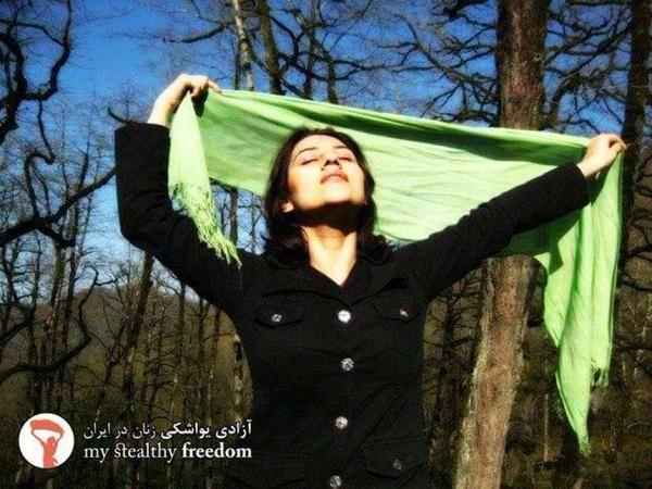 Las mujeres iraníes muestran su melena para rebelrse contra la ley del hijab /José Manuel Blanco (@jmblancoseg)   Twitter