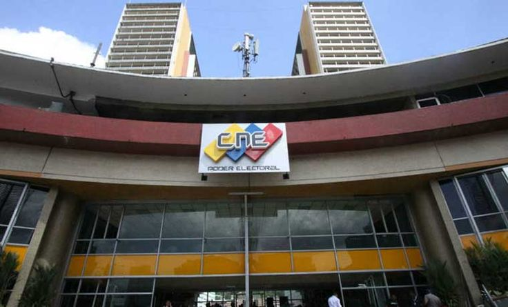 EFE: Poder Electoral se vuelve blanco en Venezuela por adelantar Constituyente - http://wp.me/p7GFvM-I5x