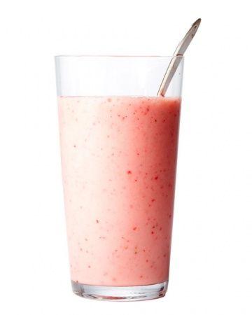 Creamy Strawberry Smoothie 1 ripe banana (I use frozen) 1 1/2 cups ...