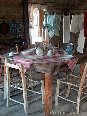 reinopin: Clotheslines Inside,  Boards, Farms Houses, Country Cabins, Dining Table, Cabins Kitchens, Vintage Farmhouse, Farmhouse Kitchens, Farms Kitchens