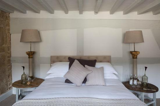 Winchcombe, UK: The Lion Inn - Room 2