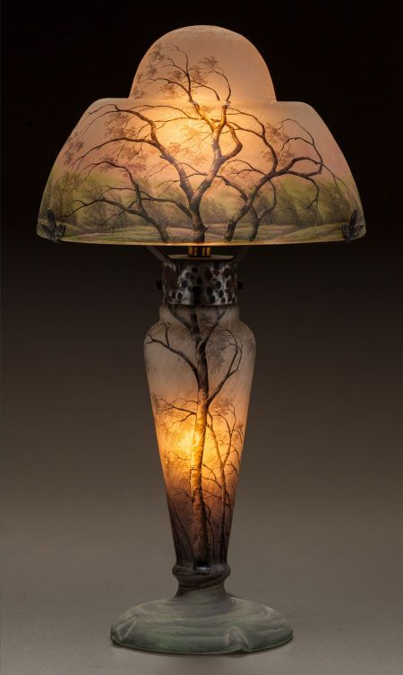 DAUM ETCHED AND ENAMELED GLASS RAIN LAMP Circa 1900. Enameled DAUM, NANCY, with the cross of Lorraine
