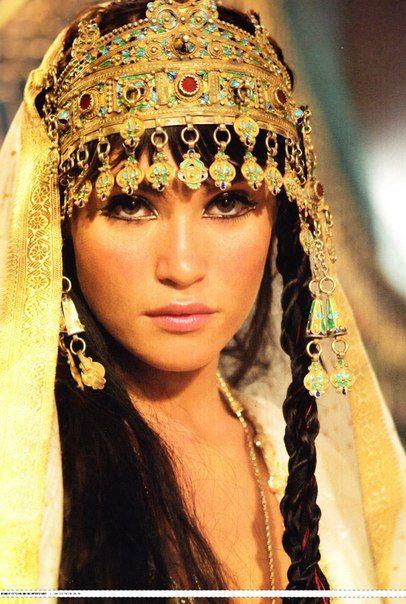 Nefertari El Ghul - adoptive daughter of Amun and Kebi El Ghul and adoptive mother of Jon and Robb El Ghul. Queen of Ancient Egypt.