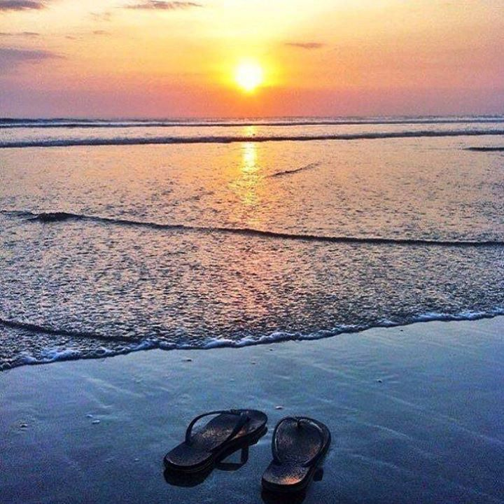 Need new Havs? Havaianas Sunset Road are on sale until 31 October some from only 50K! Pop in and stock up! #havaianasbigsale #havs #thongs #bali #balilocal #love #travel #jetsetter #seminyak #beautiful #summer #holidays #sun #bikini #pool #chasethesun #w