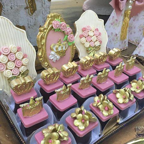 Biscoito decorado @doce_alegria bombons @valeria_aquino_delicata_cakes