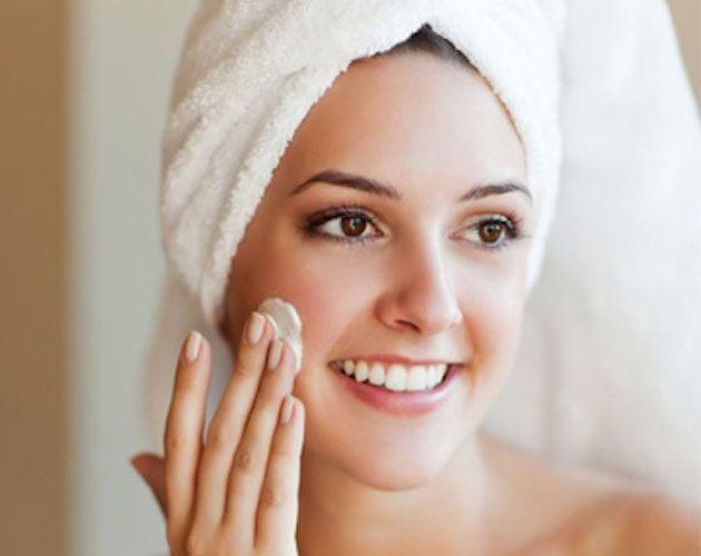 La nostra pelle può essere a volte giù di tono e stanca, donandoci un aspetto stressato e affaticato..Ma non temete, perché la soluzione è semplice ed efficace.  Per saperne di più leggete l'articolo al link http://www.mitrucco.it/contro-lo-stress-della-pelle-un-valido-aiuto-dalla-crema-da-giorno/