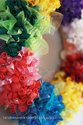 Gonna make this in red and yellow for Cate's B-Day: Wreaths Idea, Ribbons Wreaths, Birthday Idea, Tulle Wreaths, Birthday Wreaths, Party Idea, Birthday Balloons, Balloons Wreaths, Birthday Party