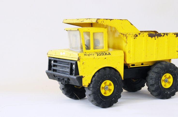 Grand camion Tonka  leshappyvintage.fr