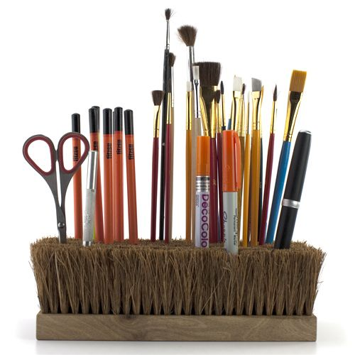 Bought a box of old wooden scrub brushes at auction, paid $1 for the lot. Saw one of these used to hold small pictures too. Maybe you will be lucky and I will gift one to you :) #scrub brushes, repurpose