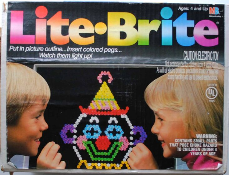 I LOVED Lite-Brite!  It was so cool to make designs out of the lights!