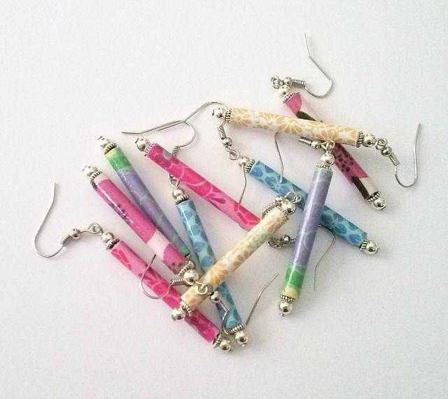 Oltre 25 idee originali per orecchini fai da te su - Porta orecchini a libro ...
