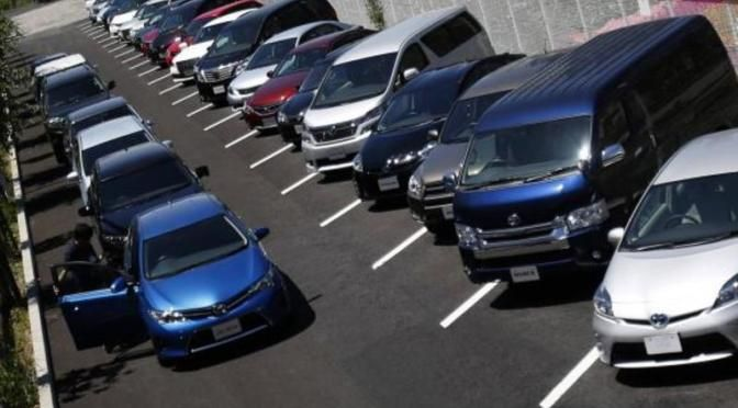 U.S. auto sales seen ending summer without a sizzle