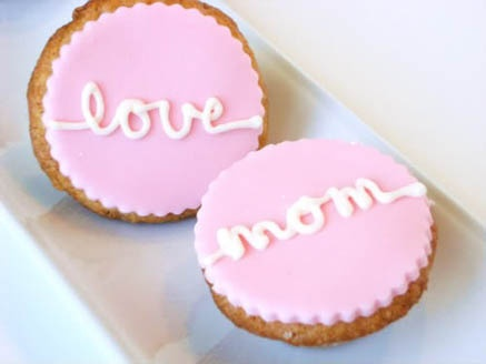 Mother's Day Cupcakes with Fondant
