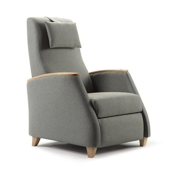 """El modelo Kabul es un sillón reclinable básico con opción de sistema eléctrico y """"Levanta-personas"""". Dispone de cabecerilla regulable y desenfundable."""