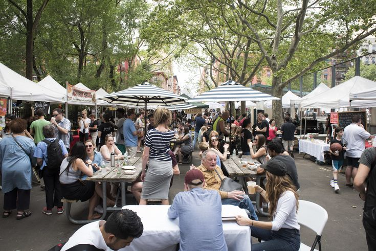 Raise your proverbial hand if you're loving spring in NYC! Now that the weather is, well, perfect for outdoor dinning, several NYC street fairs are s