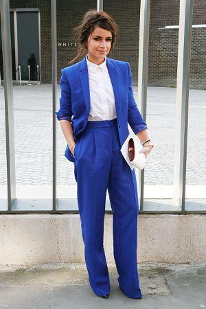 ロイヤルブルーのセットアップ。ハイウエストのパンツが長い脚を演出♡ ハイウエストスカート・パンツ スタイル ファッション コーデ♪