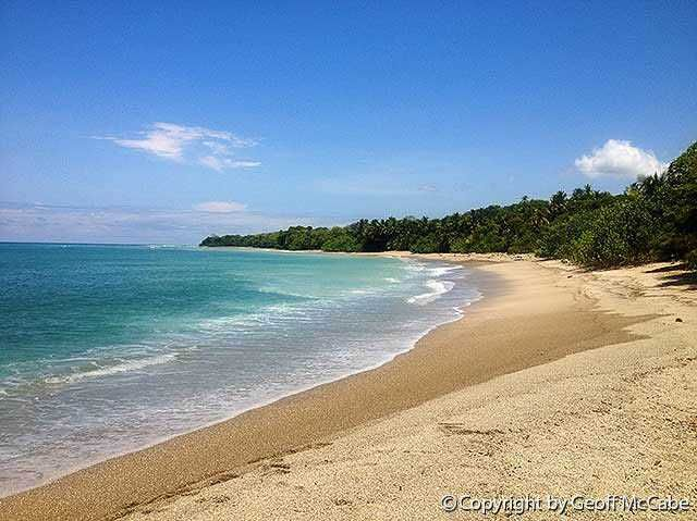 Playa Los Cedros (The Cedars) is just south of Montezuma and is one of the area's best left-hand point breaks in addition to being one of the peninsula's most beautiful beaches. This is a 6 minute drive from Anamaya.