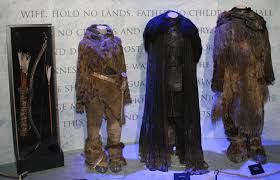 Not so glamourous but equally detailed the costumes of Ygritte, Jon Snow and Tormund Giantsbane reflect the harsh climate in which they are worn.