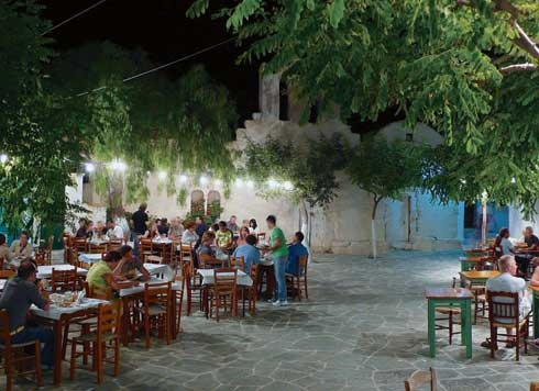 Folegandros - GREECE: taverns in the town square