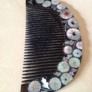 Japanese old collectible hand-crafted abalone shell inlay lacquerware kushi kanzashi hair comb with maki e detail AS IS