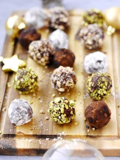Truffes au chocolat un peu folles : Recette de Truffes au chocolat un peu folles - Marmiton // #ElleHabiteLa #Marmiton #Aufeminin #Noël #recette