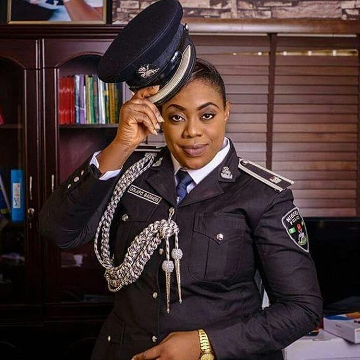 Now this is one lady that understands the true meaning of Public Relations. Kudos to the PPRO of the Lagos Police Command and her able Deputy @aleeygiwa U kp making us love d police more and more. by femibranch