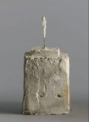 Alberto Giacometti, Petite figurine sur double socle (fragment) circa 1945 - 1946 Plaster