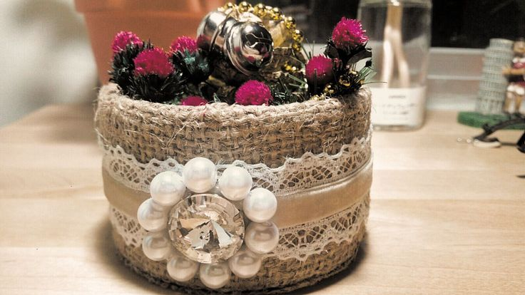 Christmas Mini Bouquet by Niek's Burlap&Lace.