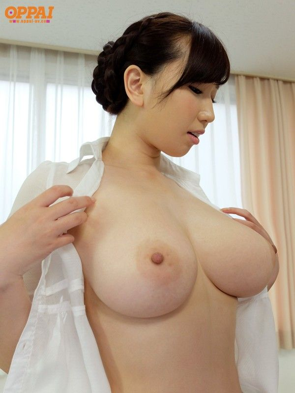 Naked japanese girl busty
