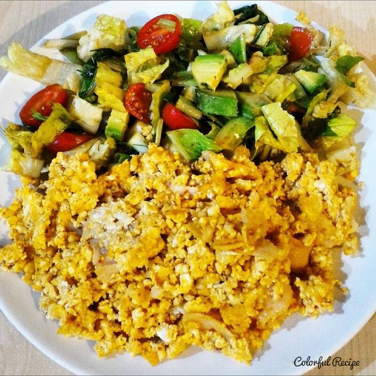 #lowcarb #breakfast #paleo #cottagecheese #egg #salad with 1/4 #avocado #dusukkarbonhidrat #kahvalti #sahur #cokelek ile #yumurta #salata 1/4 #avokado #tasdevridiyeti #saglikliyasam #sagliklibeslenme