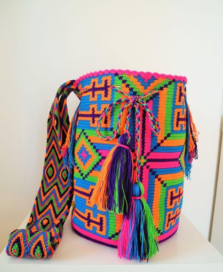 Sac Wayuu Maicao, fait entièrement à la main en Colombie par les femmes amérindiennes Wayuu : Autres sacs par amapoli-creations