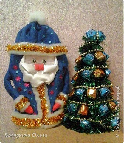 Мастер-класс Упаковка Новый год Шитьё Мешок для подарков в виде Деда Мороза Клей Нитки Пайетки Ткань фото 16