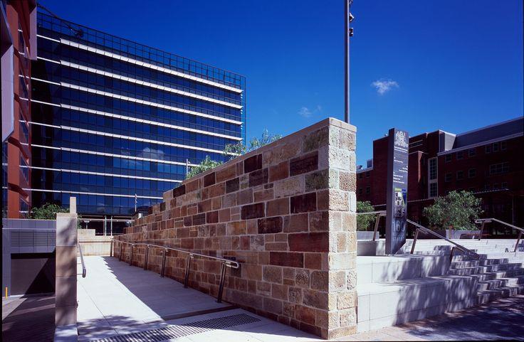 Justice Precinct Offices / Bates Smart