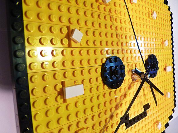 Relógio cabeça de Lego | Nerd Da Hora