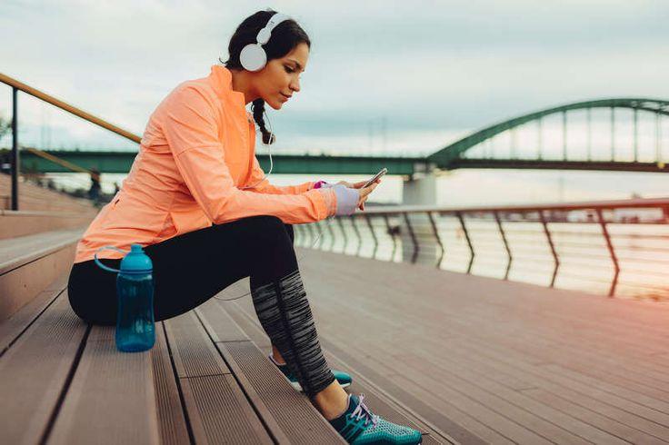 frau-sport-musik-workout-kopfhörer