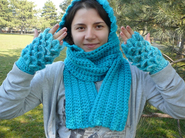gluga-fular si manusi asortate (hoodedscarf+fingerless gloves)