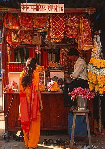 India, Maharashtra, Mumbai, Bombay, street stall,