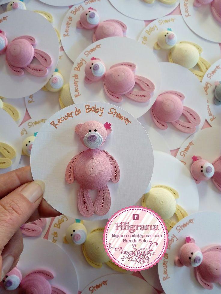 Hola amigo@s!! Este trabajo fue un pedido para recuerdo para Baby Shower. La verdad que la idea no es original mía, vi los ositos a una...