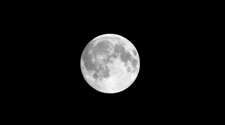 Pessoas espalhadas pela Terra tiveram a oportunidade de visualizar o planeta Vênus ao lado da Lua a olho nu nesta semana.