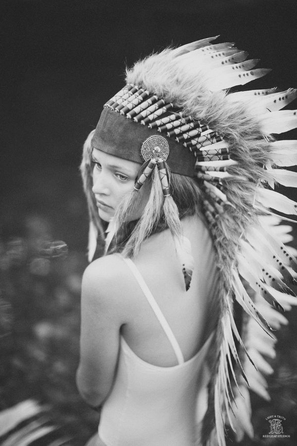 Love the headdress! Photos by Red Leaf Photography. Processed with http://www.redleafboutique.com/photoshop-actions/