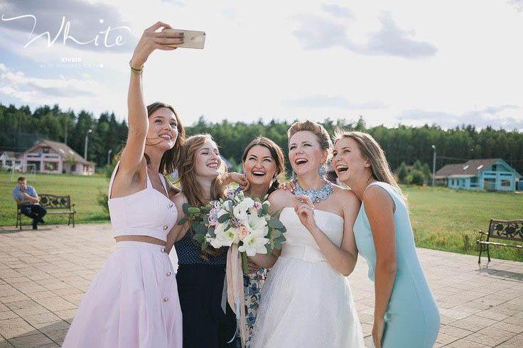 """Нам важно, чтобы в день своей свадьбы молодожены и их гости получили максимум положительных эмоций и впечатлений от праздника! Поэтому все организационные и технические моменты мы берем на себя.   Мы заботимся о наших клиентах! И стараемся сделать так, чтобы результат превзошел все ваши ожидания!   С любовью, Студия особенных свадеб """"WHITE""""! ❤ 8-961-262-04-90"""