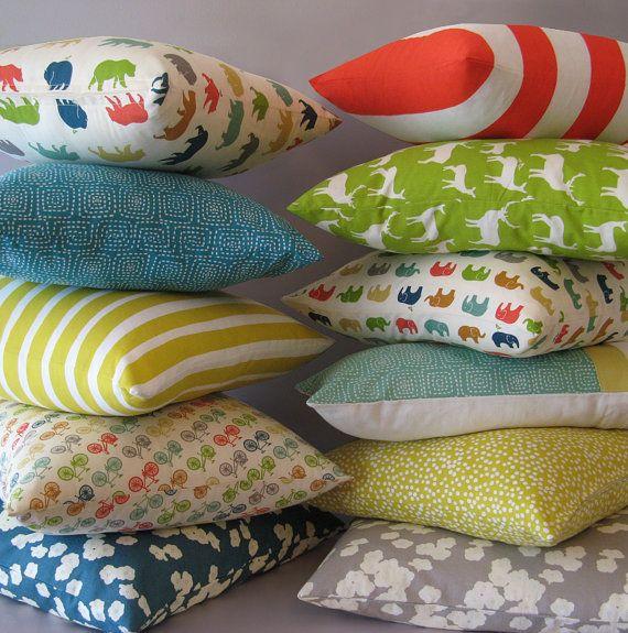 Multicoloured decorative pillow covers - Ellen's Alley
