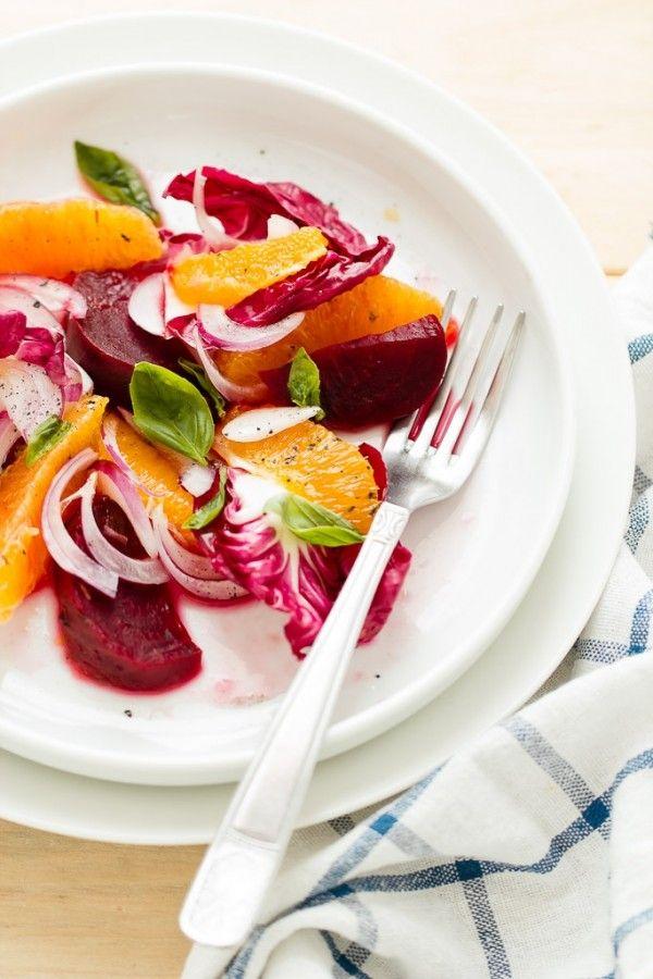 """#Insalata di #arance e #radicchio per stare leggeri e il decalogo de """"I dieci desideri dei bambini"""" per non perdere di vista cosa conta davvero. -   #Winter #salad with #oranges and red chicory"""