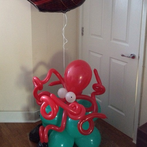 Jake and the neverland pirates birthday party balloon for Balloon decoration for birthday boy