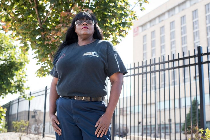 The Nabisco bakery on Chicago's South West Side is eliminating jobs and moving them to a facility in Mexico, part of a continuing trend of the loss of blue collar jobs in the city. Many of the employees at the facility are African-American.