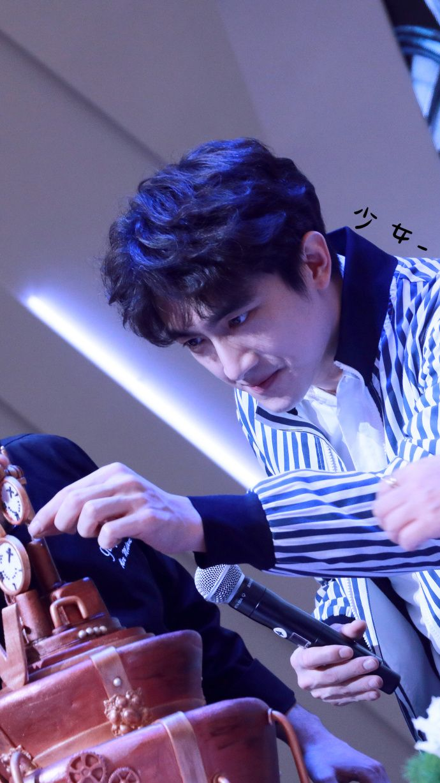 https://weibo.com/p/100808dfb7713cbd19312b0c5f780b89e0287f/super_index