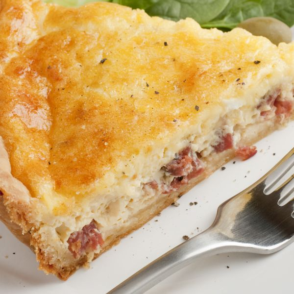 This wonderful Bacon Quiche recipe will become a family favorite.. Bacon Lovers Quiche Recipe from Grandmothers Kitchen.